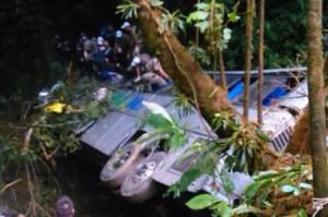 Chega a quase 50 mortos em acidente com ônibus que ia a Guaratuba